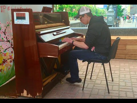 Amazing street piano\Невероятная игра уличного пианиста