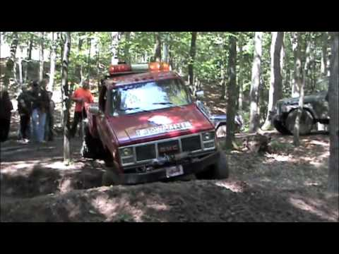 BROKE STUCK FUCKED RECOVERY TEAM Extreme off road tow truck