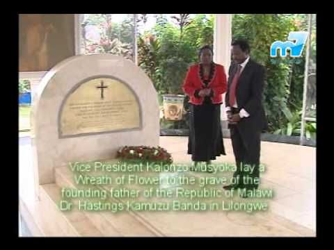 H.E. Kalonzo Musyoka laid a wreath of flower to the grave of Dr. Hastings Kamuzu Banda.