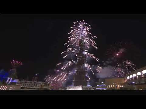 Дубай.Фейерверк и танцующий фонтан.