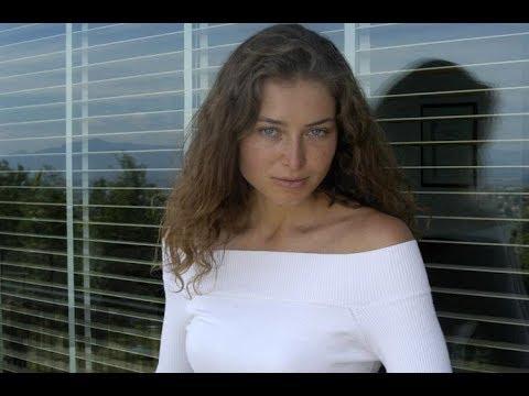 Только посмотрите, как живет известная актриса Марина Казанкова