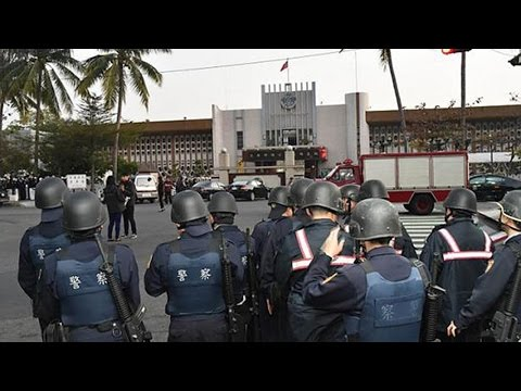 6 inmates in Taiwan prison hostage drama commit suicide; siege ends 台灣高雄監獄劫持案 6囚徒飲彈自盡