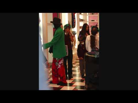 BLRockPixLA - Michael Jackson shopping the Ed Hardy Store - 042709 - PapaBrazzi Report