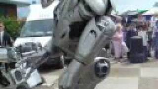 Titan the Robot. realy Funny realy cool