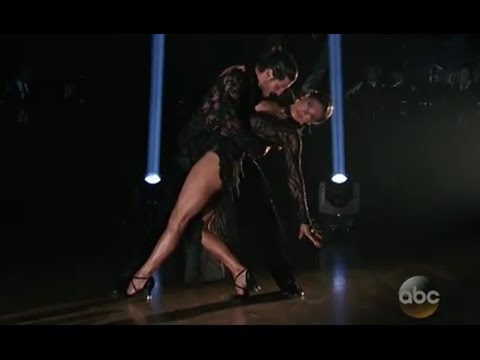 'DWTS' | Ginger Zee, Val Dominate with the Tango [FULL DANCE]