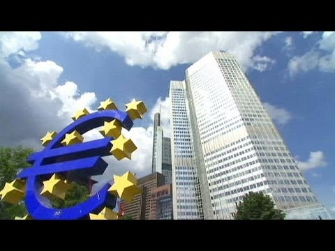 ECB's Draghi says rates to remain low into 2014 - economy