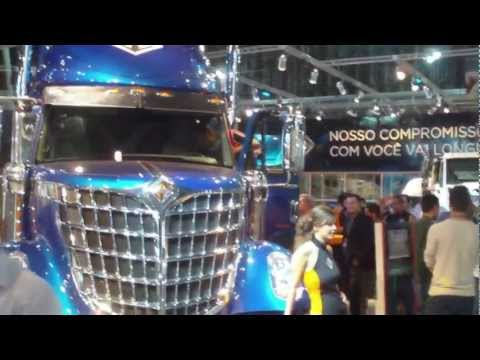 Navistar-International apresenta seus produtos para o mercado brasileiro e anuncia fábrica