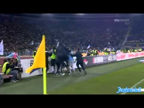 Lazio vs roma: GOL di Miroslav Klose - Commento di Piccinini - RETE INCREDIBILE! (16/10/2011)
