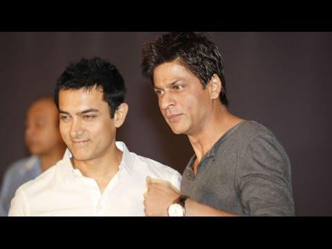 Shah Rukh Khan Defends Aamir Khan's PK In The Media!