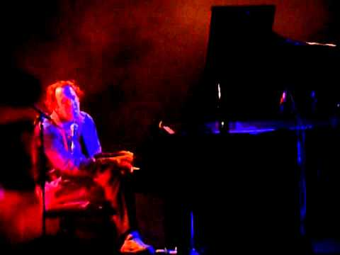 chilly gonzales singing something sete Klive 28/05/11