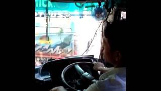 Bus antar sekolah ponpes al falah ploso kediri.
