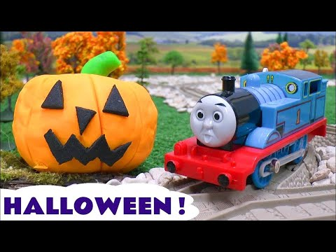Thomas and Friends Play Doh Halloween Pumpkin Ghosts Haunted Toy Story Tom Moss Prank Playdoh