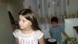 Kücük davulcu Furkan Efenin yeni Enstrümanı  drum show solo performance child
