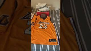 Hotkicks.cn perfect vapormax plus, wallet, Lakers shorts and laker jersey review