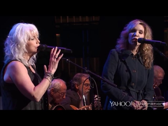 Emmylou Harris & Alison Krauss - All I Have to Do Is Dream [Live]