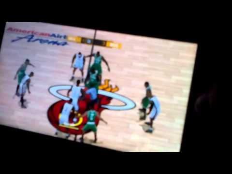 How to Alley oop at NBA 2k13 psp