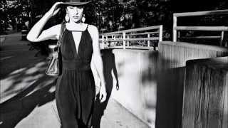 Watch Marisa Monte Rosa video