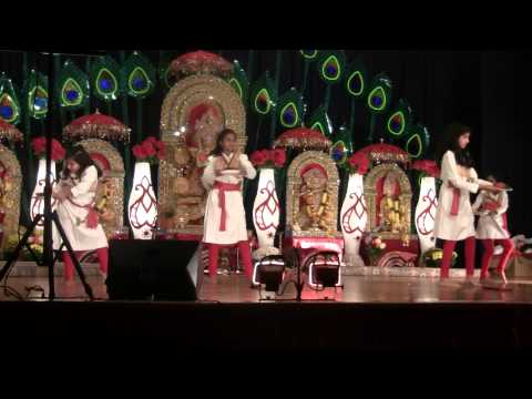 Indian Dance On Dhol Baje video