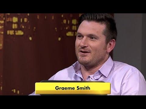 Graeme Smith bats - with a broken hand!