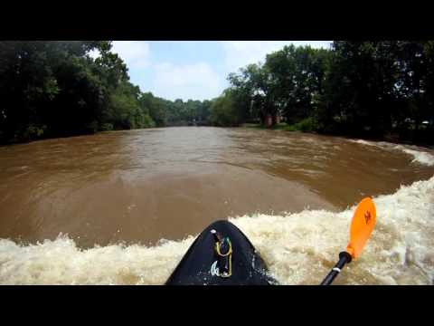 Elkhorn Creek, Epic Fail On Church Wave - 2011_07_09