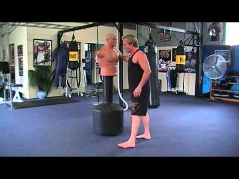 HOW TO DO KICKBOXING JUMPING KNEES TO THE BODY & HEAD Image 1