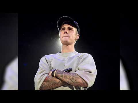 Justin Bieber Fans Try to BREAK into His Australia House