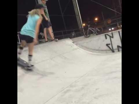 🌚🏡🔁 @gabimazetto #WCW   Shralpin Skateboarding