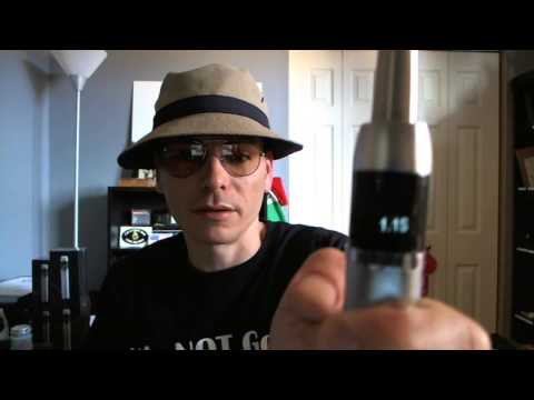 JoyeTech eVic eCig (Steely Dan) Unboxing Demo Review (ENGLISH)
