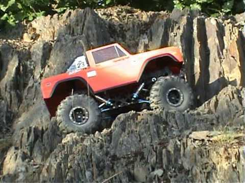 CR-01 RC Rock Crawler with V8 Sound ;)