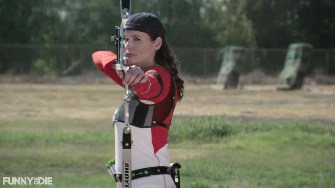 Geena Davis archery