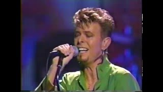 Watch David Bowie Looking For Satellites video