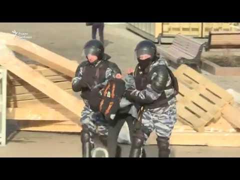 Он им не Димон: задержания на Пушкинской площади