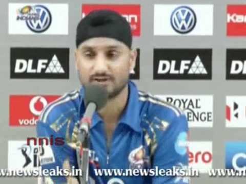 HARBHAJAN SINGS PRAISES OF SAURAV GANGULY'S CAPTAINCY.flv