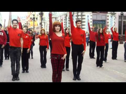 Mylene Farmer flashmob in Mo...