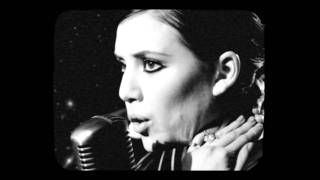 Клип Lykke Li - I Follow Rivers (live)