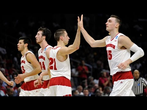 Sweet 16: Wisconsin escapes Tar Heels' scare