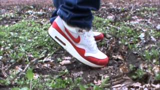 loose sneakerplay and stomping adidas top ten and nike airmax 1