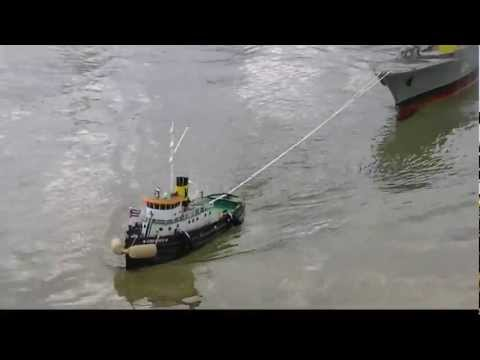 Rc Tug Commandante towing a War Ship and a Barge