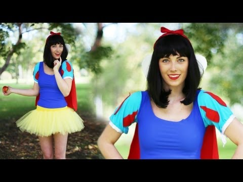 SNOW WHITE: DIY DISNEY PRINCESS COSTUME