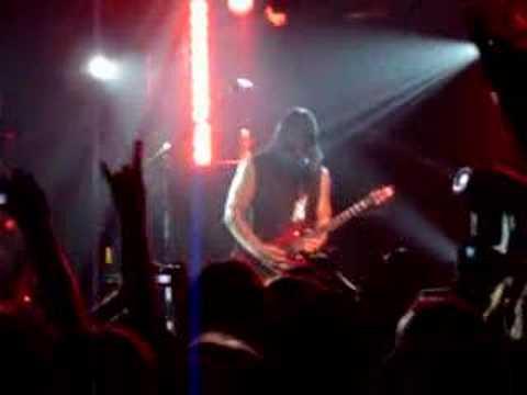 Disturbed - Stricken (solo) live clip