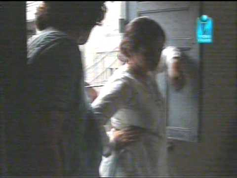 VISIBLE BRA PAKISTANI ACTORESS IN DRAMA