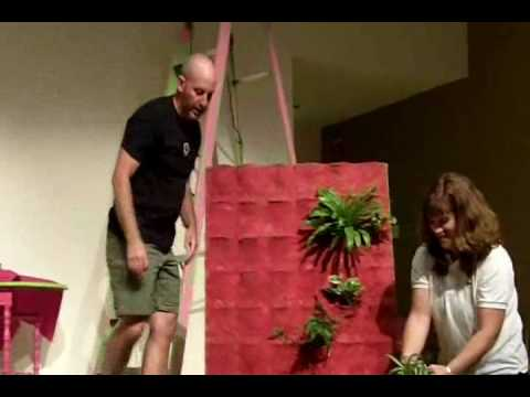 In That an Herb in Your Pocket? (vertical gardening)