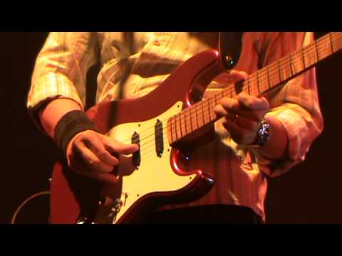 Tunnel of Love - The Straits live @ Liverpool 16.10.11