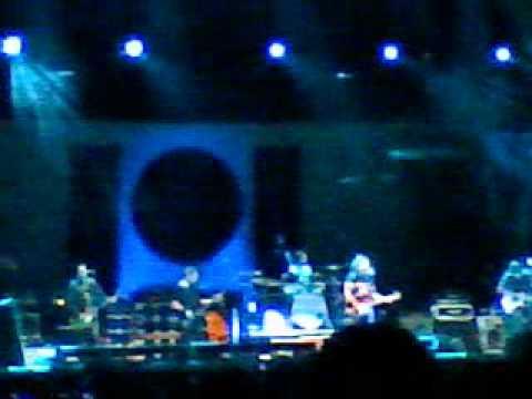Homenagem de Eddie Vedder para Johnny Ramone. Light Years - Pearl Jam. Porto Alegre (11/11/11)