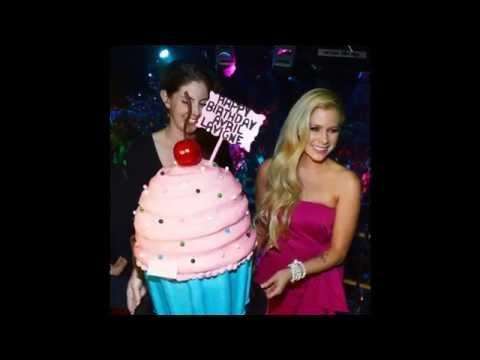 ♥ Happy 30th Birthday Avril Lavigne!!! ♥