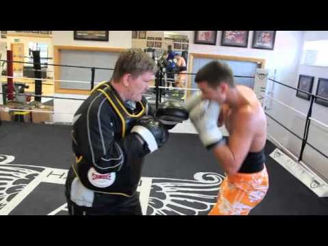 RICKY HATTON & SONNY UPTON TRAINING FOOTAGE - MITTS & BODY BELT / @ HATTON'S HEALTH & FITNESS