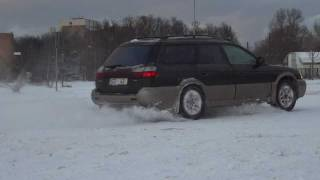 Drift on Ice Subaru Outback 2.5 AT