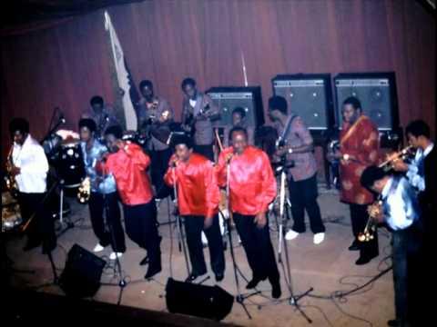 Tangawusi (Papa Noel) - Franco&le TPOK Jazz 1983 Bruxelles