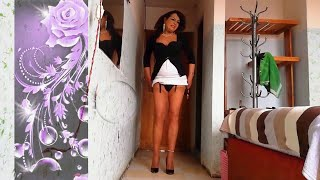 crossdresser mature and pretty  Anahí, showing her legs when walking with a lot of feminine grace.