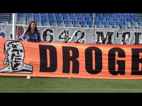 Bannière Drogba Legend de Stamford Bridge au Stade Saputo